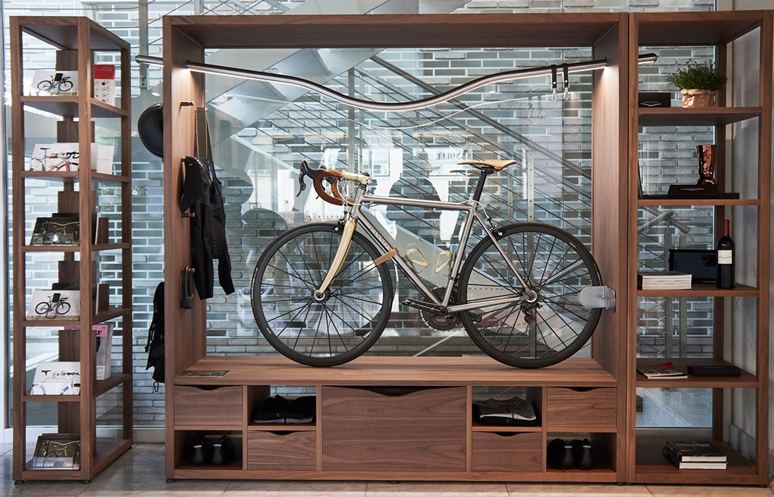 Vadolibero Domus Bike Decor - Walnut Canaletto